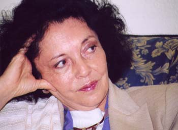 Aitana, hija del poeta, pone voz a sus poemas