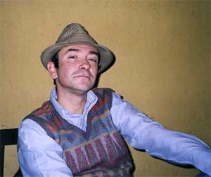 """"""" En realidad soy un niño que juega""""Javier Puebla, finalista del premio Nadal 2004"""