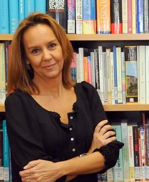 """María Dueñas, un año entre costuras: """"Mi gran satisfacción es que han sido los lectores los artífices del éxito de mi novela""""."""