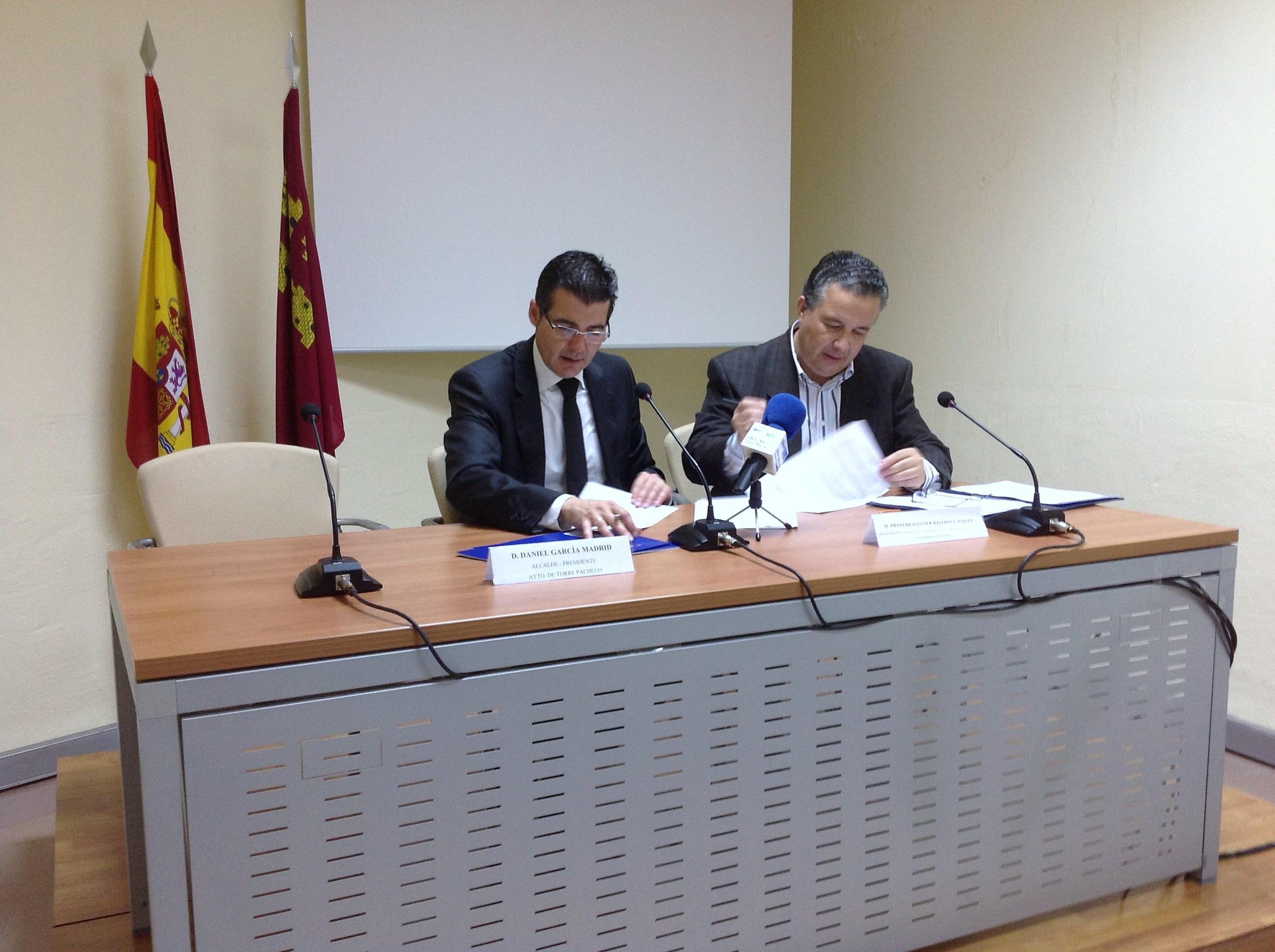 firma contrato Torre Pacheco