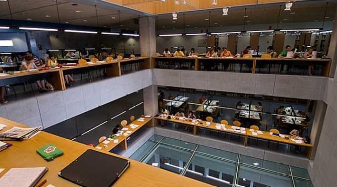La UMU amplía los horarios de las salas de estudio por los  exámenes