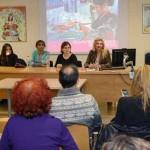 Mesa redonda: 'Tejiendo oportunidades para las mujeres'. Aula J. Guillén, Campus de La Merced