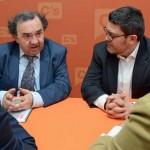 Encuentro informativo sobre/y entrega del 'Plan Plurianual de Financiación 2016-2020 UM'. Sede Ciudadamos Murcia