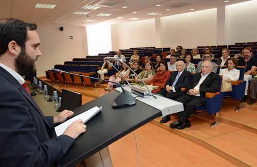 Conferencia-Proyección sobre el Rector José Loustau. A cargo de Manuel Ramón García-Garre.. Salón 'Lumeras' Campus Espinardo