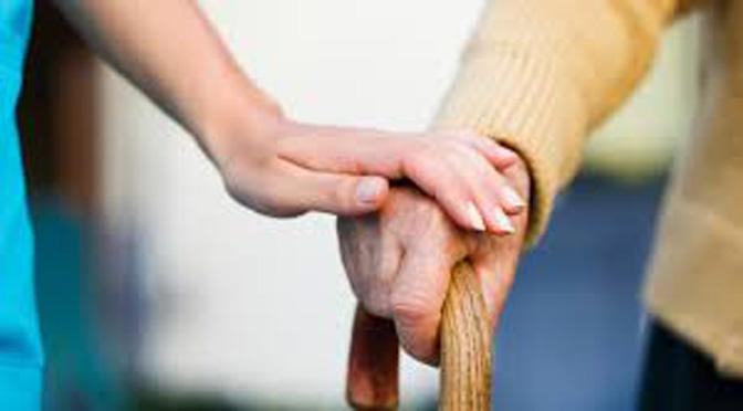 Un curso de la Universidad del Mar aborda el cuidado a las personas mayores