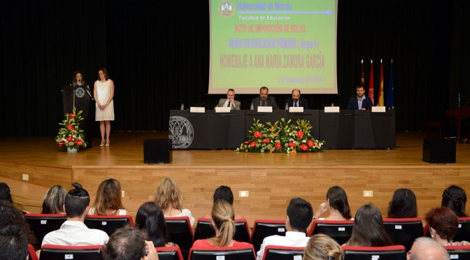 Graduación en Educación Primaria Grupo 4, homenaje a Ana María Zamora García