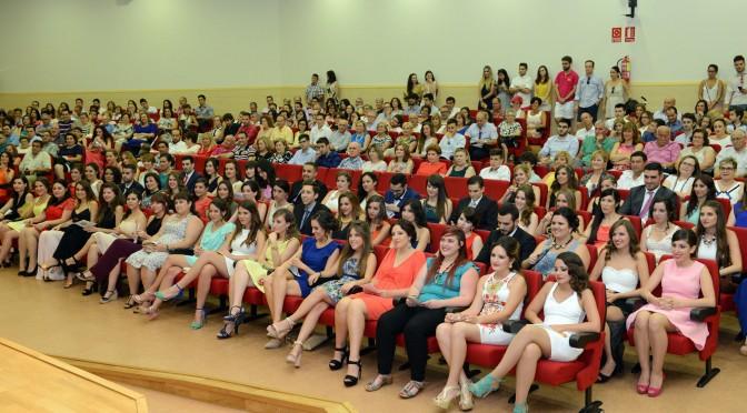 III Promoción del Grado en  Educación Primaria, mención en lengua extranjera inglés