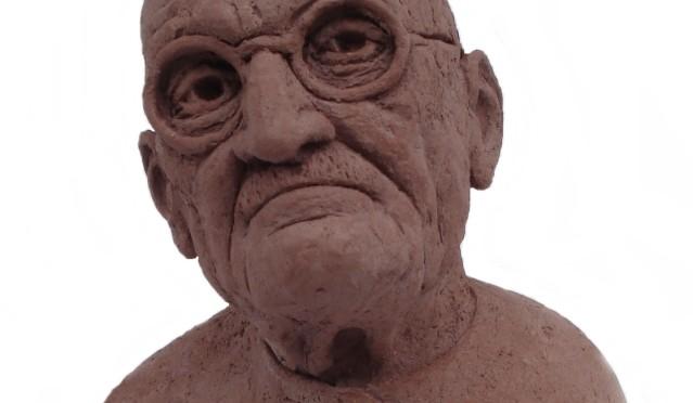 Cristóbal Hernández Barbero, ganador del concurso para la realización de un busto del Rector Loustau