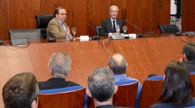 """Antonio Garrigues Walker en la Universidad de Murcia: """"Vamos a vivir en un mundo sin certidumbres"""""""