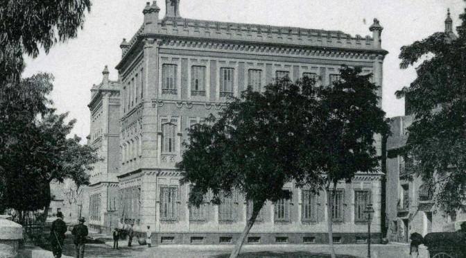 El edificio de Convalecencia, sede del Rectorado de la Universidad de Murcia, cumple cien años