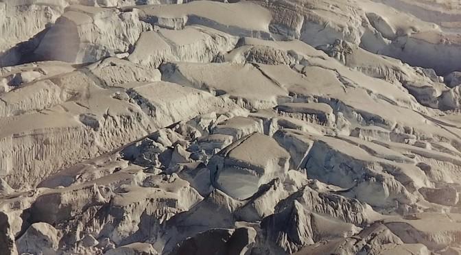 """""""Trazos sobre un mapa breve"""": la belleza de la Antártida en un libro de fotos del profesor de la UMU Domingo Campillo"""