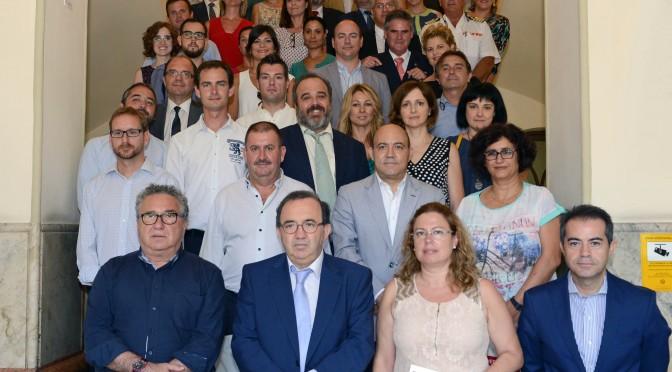 La Universidad de murcia presenta su oferta de servicios a alcaldes y concejales de municipios de la región