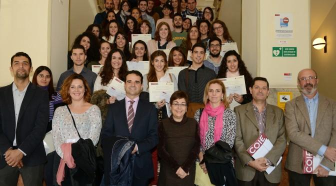 Entrega de diplomas a los alumnos y alumnas de las becas rurales y sociosanitarias