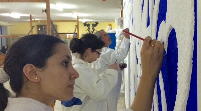 Estudiantes de la Universidad de Murcia restauran mural de Párraga