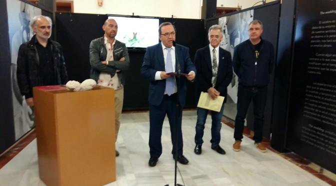 """El escultor murciano Lidó Rico presenta en el Rectorado la exposición """"The Wedding"""""""