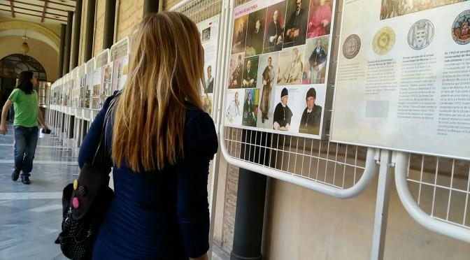 La Facultad de Letras prosigue sus actos del centenario con una exposición sobre la historia de la Universidad de Murcia