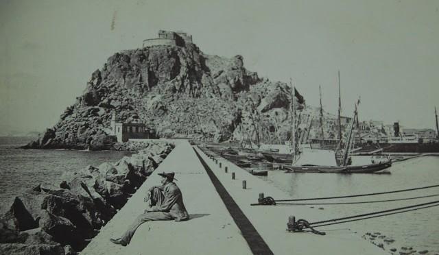 Fotografía, piscicultura, astronomía y el accidente de Palomares, protagonizan el ciclo de conferencias Mirando al mar