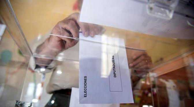 Un taller de liderazgo en un curso de la Universidad del Mar sobre los retos del sistema político español