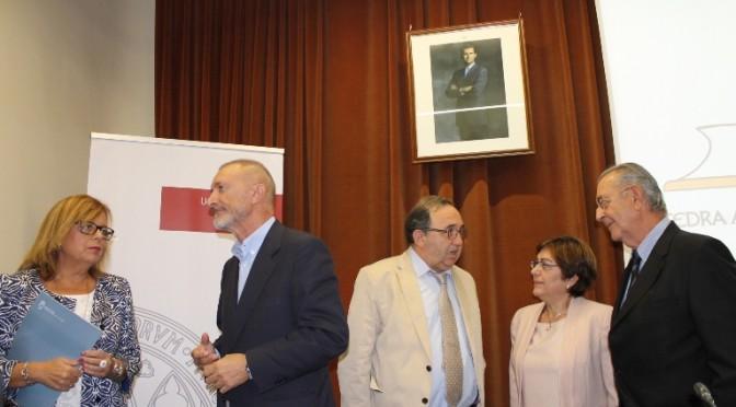 Presentada la Cátedra Arturo Pérez-Reverte de la Universidad de Murcia