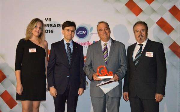 La Asociación de Empresarios y Comerciantes del Segura (Asecom) premia la labor de la UMU en el fomento del empleo