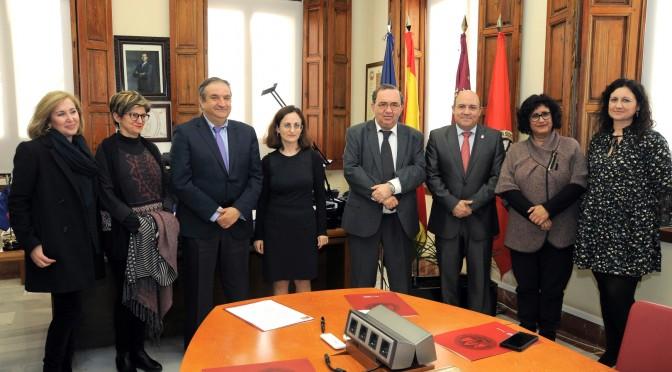 La UMU extiende las actividades de formación y cultura al municipio de Cieza