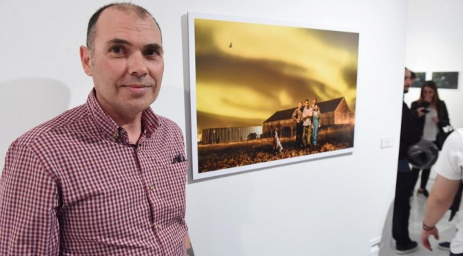 Cayetano García Navarro recibe el premio de Fotografía de la Universidad de Murcia