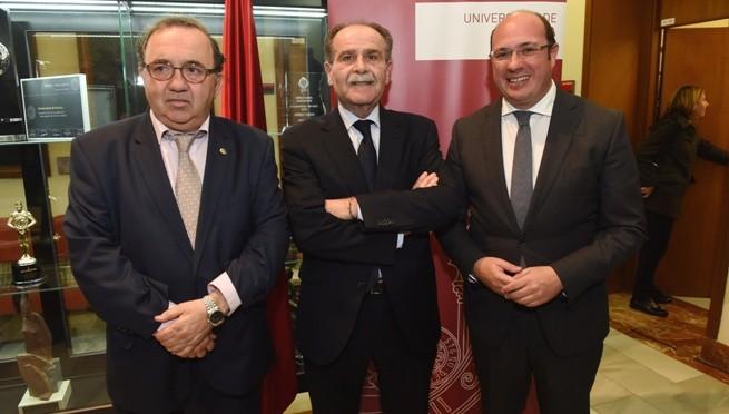 El nuevo presidente del Consejo Social pone su conocimiento sobre el tejido empresarial de la Región a disposición de la UMU