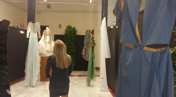 Ocho diseñadores se inspiran en modelos literarios en una exposición en el Rectorado de la UMU