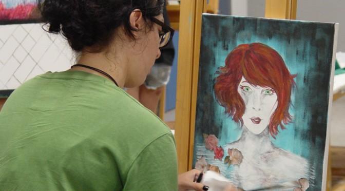 Dibujo, pintura, modelado y audiovisuales en un curso de la Universidad del Mar