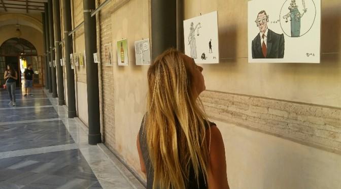 El humorista gráfico Puebla expone sus trabajos en el Claustro de Derecho de la Universidad de Murcia