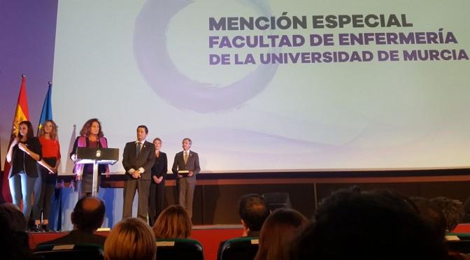 La Facultad de Enfermería de la UMU, premiada por su implicación en la lucha contra la violencia de Género