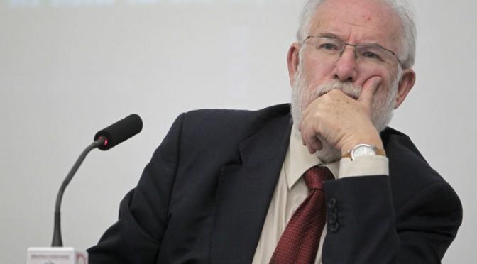 Carlos Berzosa habla sobre justicia climática y derechos humanos en la UMU
