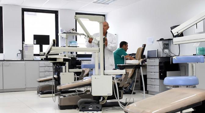 Adjudican en 130.669 euros la compra de unidades de tratamiento odontológico