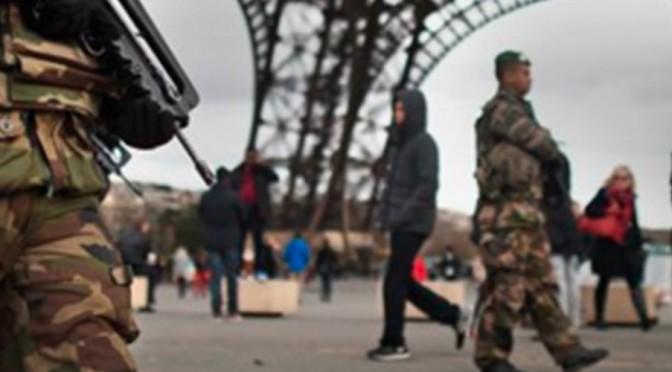 Conferencia en la facultad de Derecho sobre Estado de excepción y terrorismo en Francia