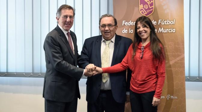 UMU y Federación de Fútbol colaborarán en el fomento de la práctica deportiva y de la investigación
