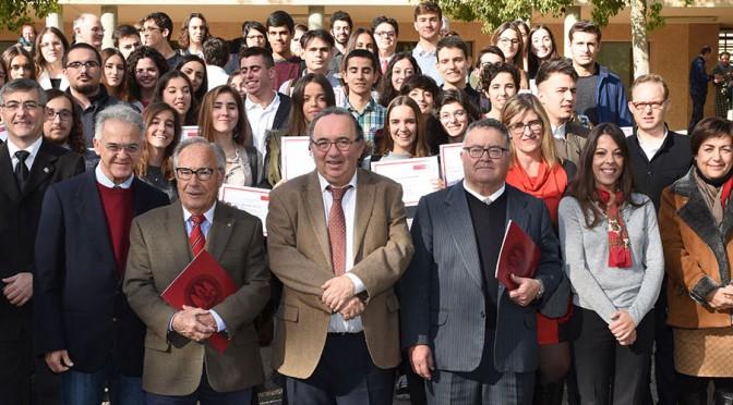 La UMU reparte más de 100.000 euros entre estudiantes con talento