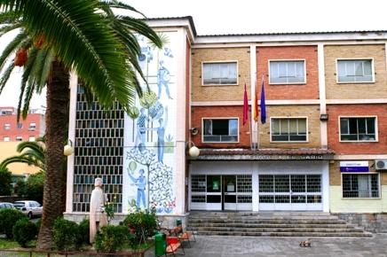 La UMU expone su muestra conmemorativa del centenario en el Instituto Alfonso X el Sabio