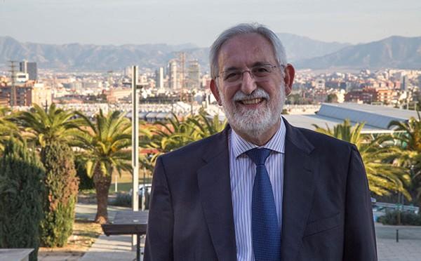 Entrevista al candidato a Rector Emilio Martínez Navarro