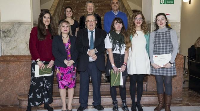 La UMU entrega los premios del II Concurso de relato corto sobre las mujeres