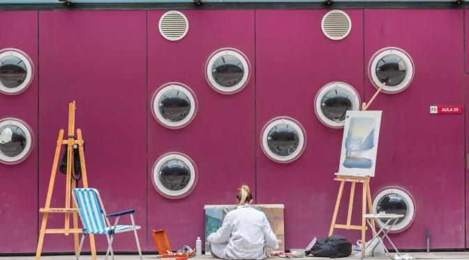 La facultad de Economía y Empresa de la UMU se llena de arte con el I Certamen de Pintura Rápida