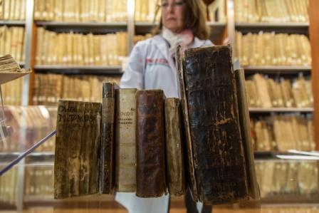 180323 -Donación de libros antiguos Biblioteca General-7