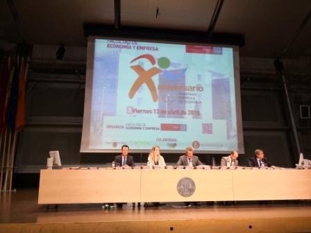 Apostando por la cantera en las Olimpiadas de Economía de la Región