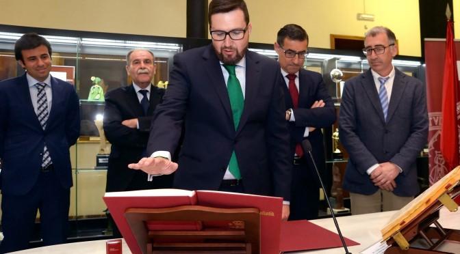 José Antonio Cascales Saseta toma posesión como gerente de la Universidad de Murcia