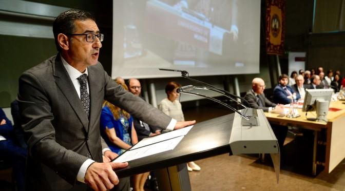 José Luján tomó posesión como nuevo Rector de la UMU
