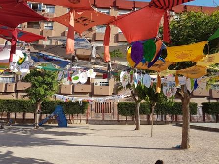 Artistas de la facultad de Bellas Artes colaboran para mejorar las infraestructuras de colegios del barrio de El Carmen