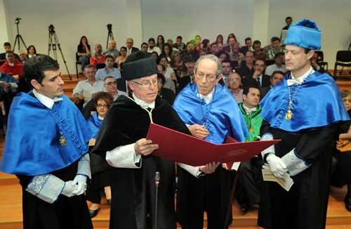 Perdigäo do Carmo en un momento de la ceremonia de investidura como Doctor Honoris Causa