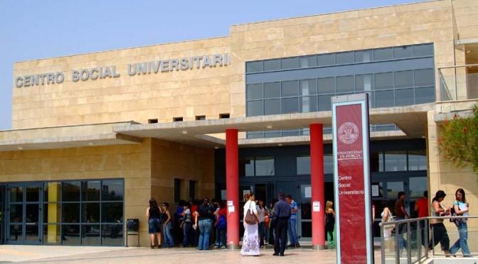 La Universidad de Murcia firma tres convenios de colaboración para proyectos de voluntariado de los estudiantes