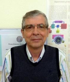 El profesor Manuel Hernández Córdoba toma posesión como académico numerario