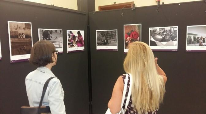 Exposición con ojos de mujer en el Rectorado de la Universidad de Murcia