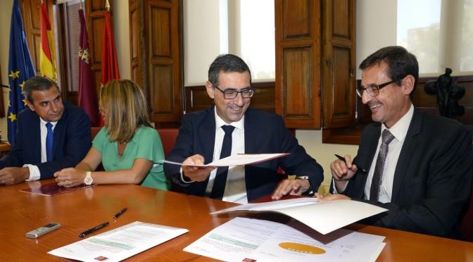 La Universidad de Murcia firma un convenio con el Liceo Francés para la realización de sesiones de observación